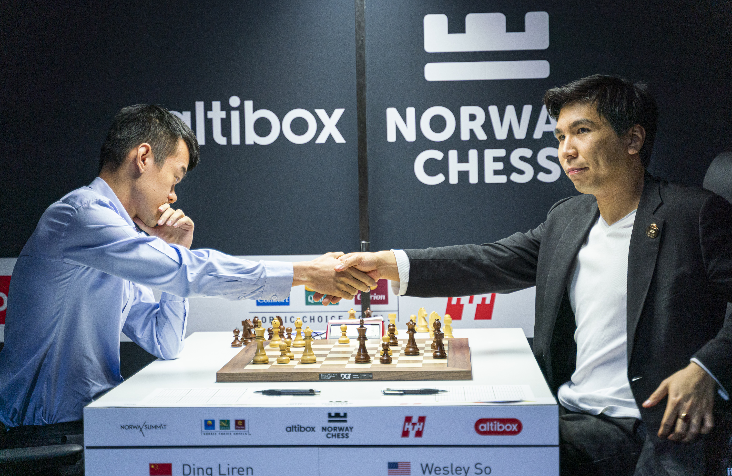 Ding Liren beats Wesley So in the first Armageddon game of the tournament.